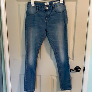 Cotton On. Blue Mid rise jegging. Size USA 6